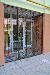 Кованные двери в Киеве