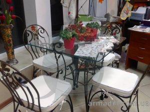 Кованные столы и стулья в Киеве